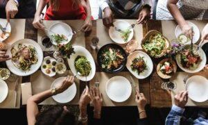 Aquaculture Nutrition. Gut Health, Probiotics And Prebiotics